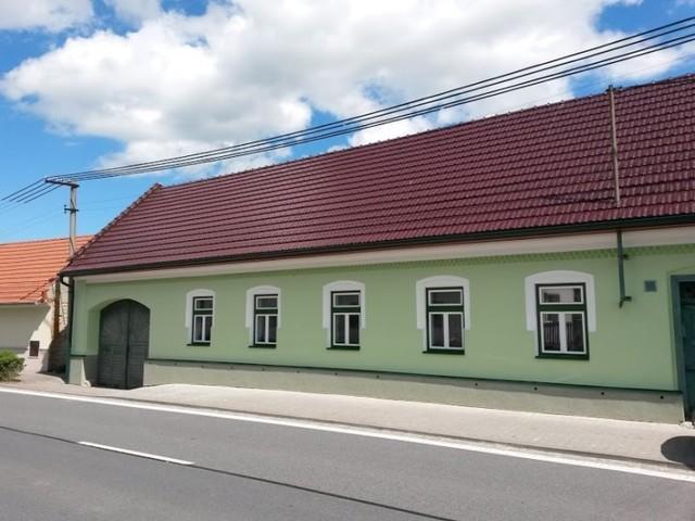 Obrázek 1 pro referenci Oprava fasády Podhradní Lhota   STAVBA 16012